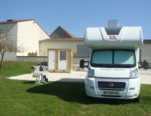 Aire de camping Car – Verneuil